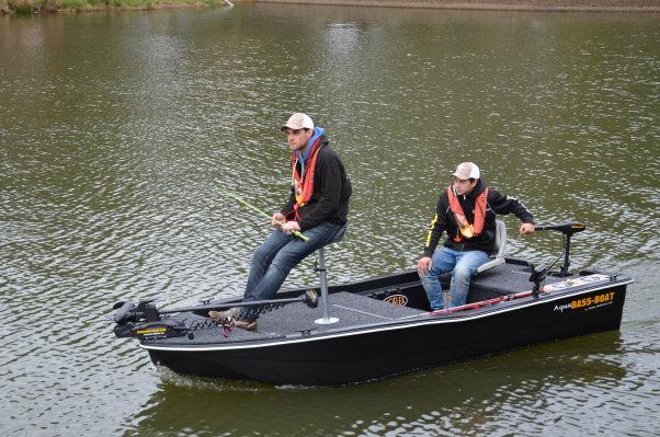 pêche aux leurres en bateau, coffret cadeau pêche, cadeau pêche, cadeau pêcheur